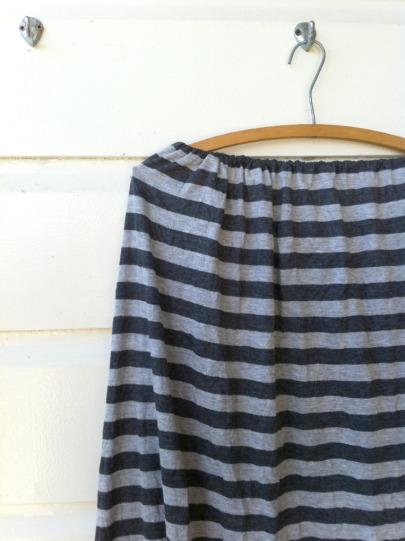 grey-skirt