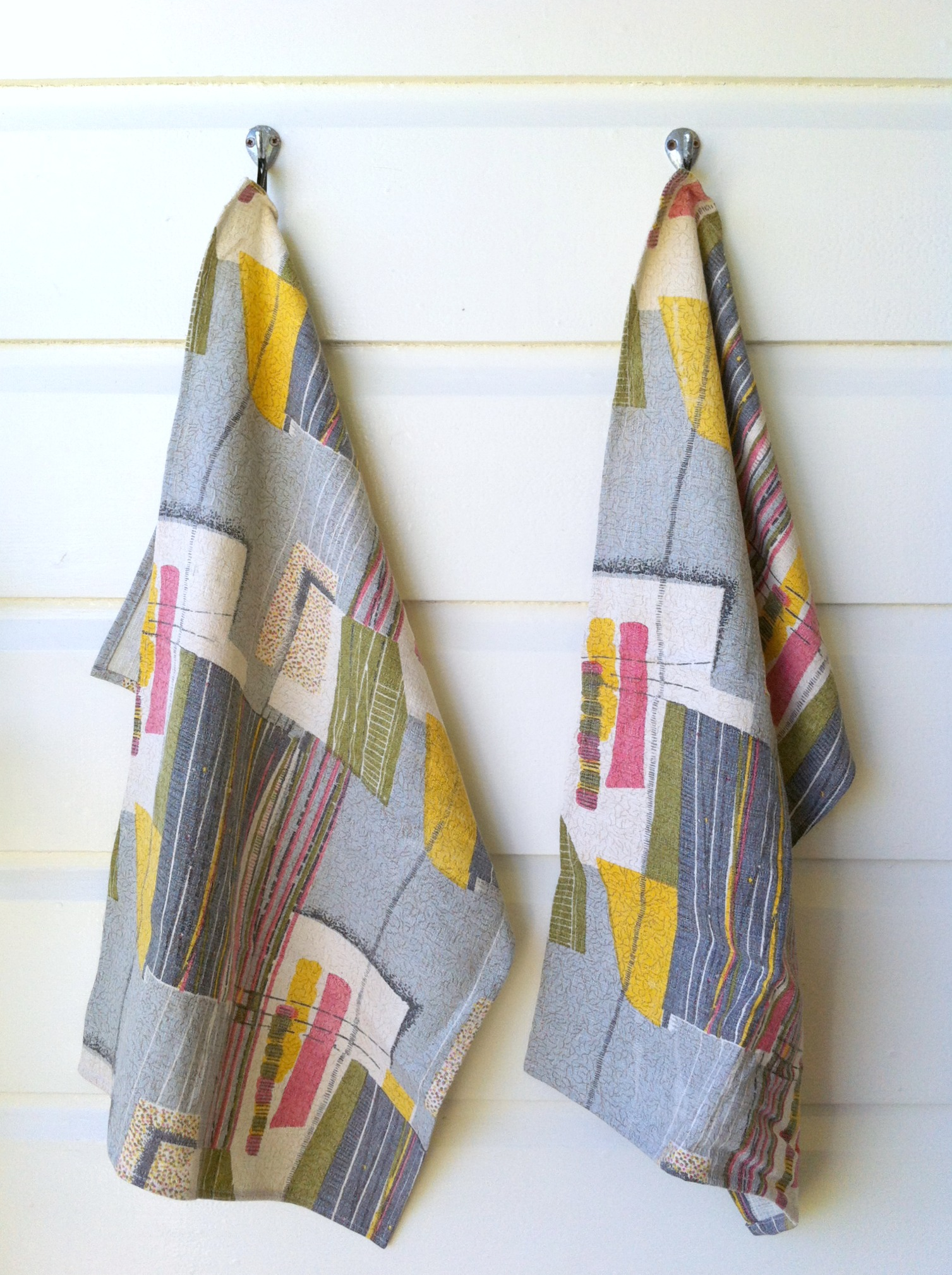Teatowel in retro barkcloth