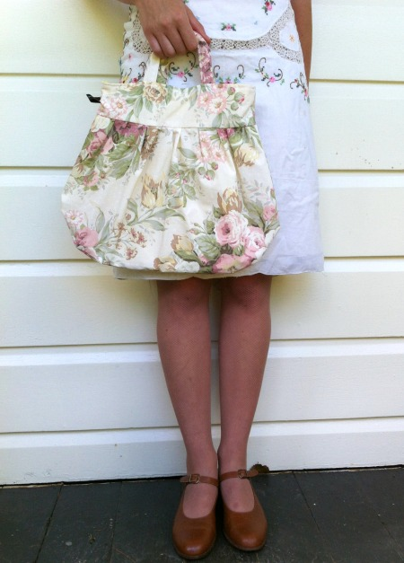 Soft-colour rose pixie bag
