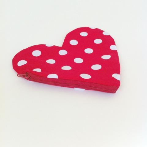red-spot-purse