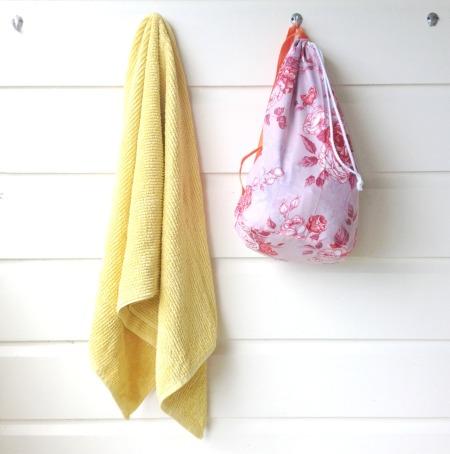 bag-with-towel